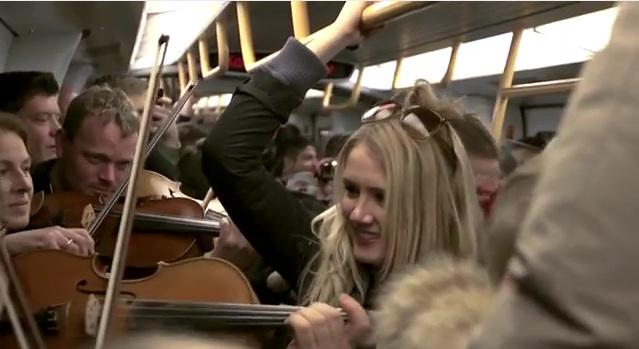 La Filarmónica de Copenhague sorprende a los usuarios del metro