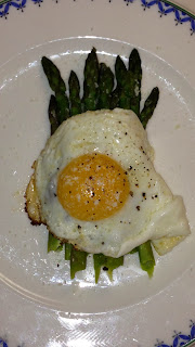 steamed asparagus and eggs