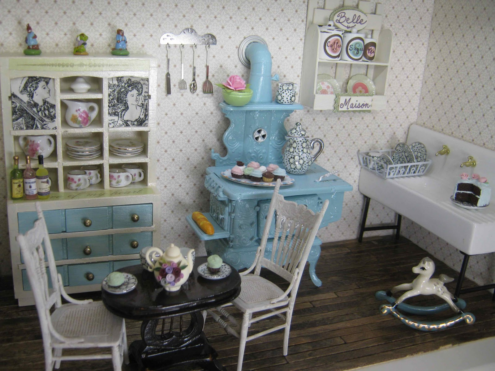 Knotty By Nature: Miniature shabby chic kitchen