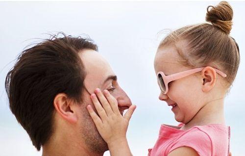 Como cambian las hijas a los padres