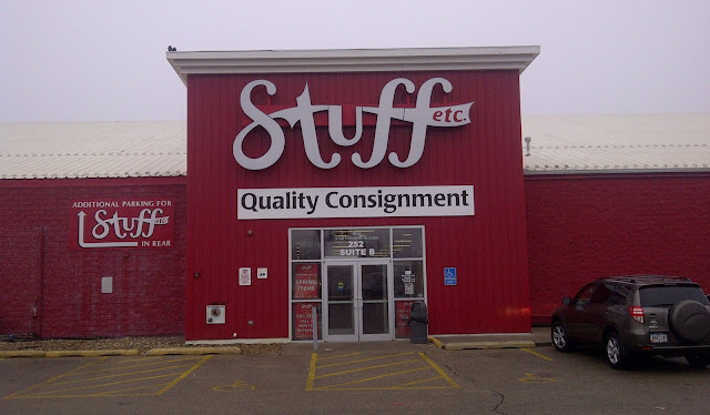 Entrance to Stuff etc. Quality Consignment