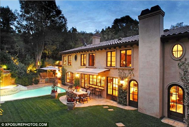 Homes of the rich and famous both kim kardashian and for Famous homes in beverly hills