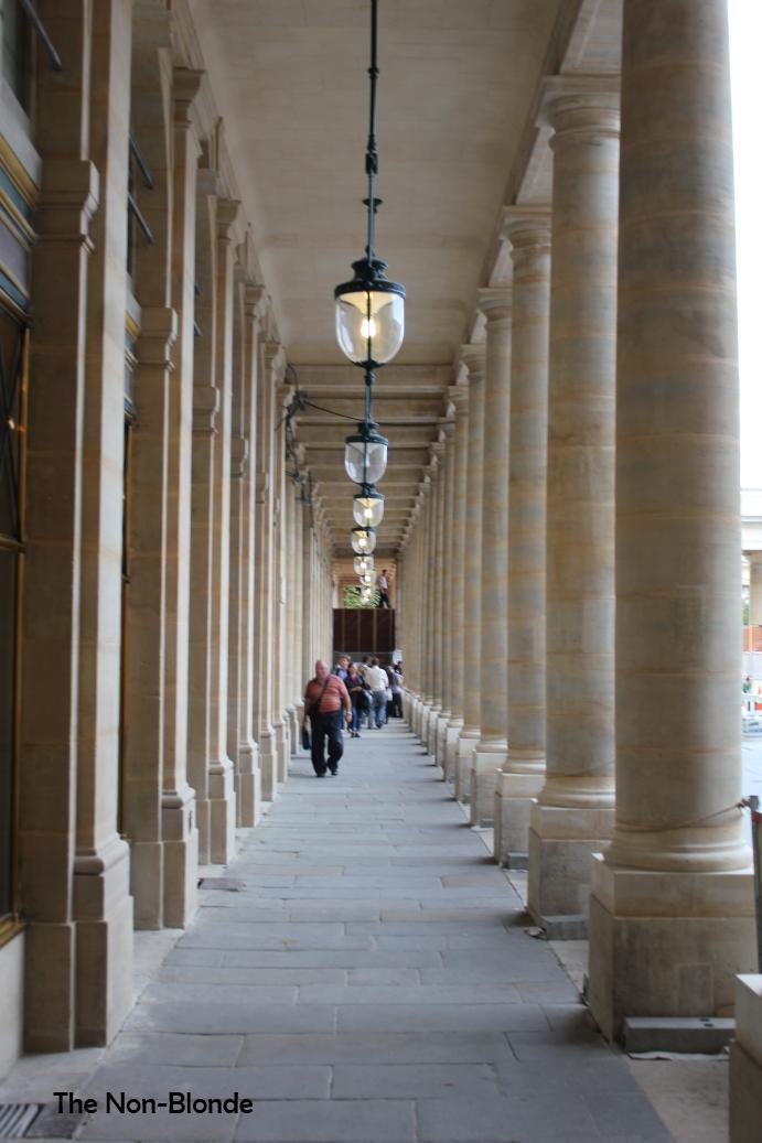 Serge lutens salons du palais royal the non blonde - Salon de the palais royal ...