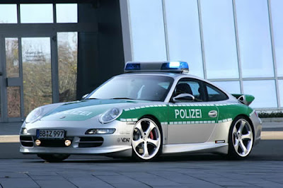 Porsche-911-Carrera-Police-Car-Side