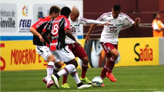 Fluminense criou boas chances na visita ao Joinville, mas acabaou castigado com virada no fim
