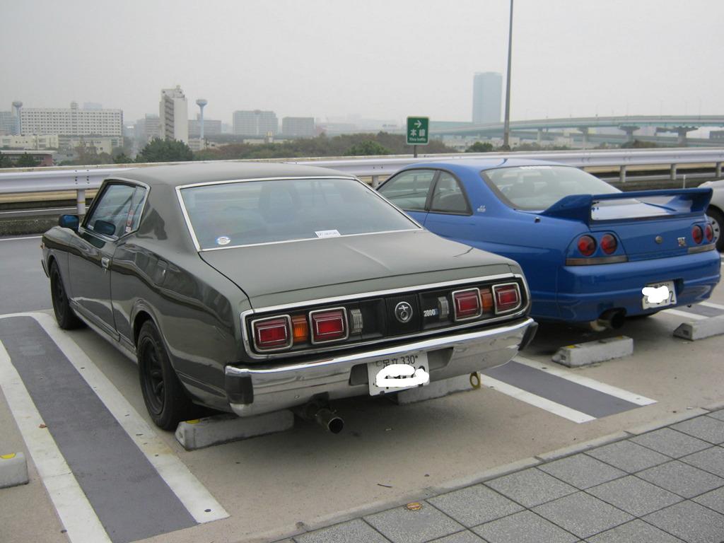 Nissan Cedric 330 & Nissan Skyline GT-R R33
