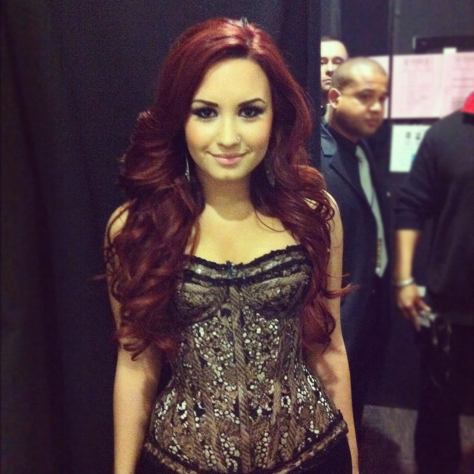 Demi Lovato - Neon Lights (Official) - YouTube