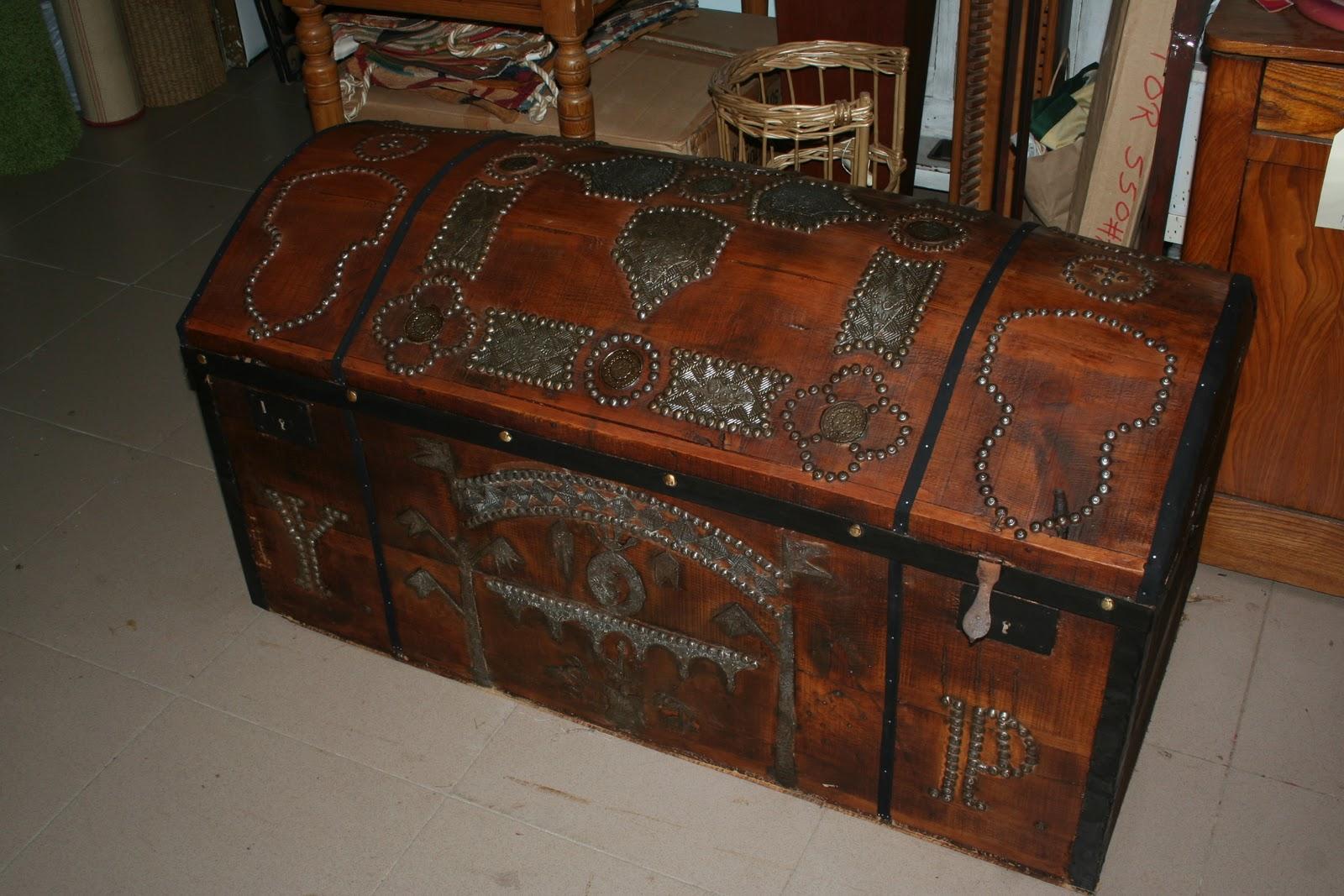 Art culos de decoraci n del hogar en lozano allende - Restaurar un baul ...