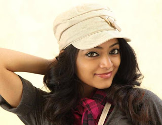 I Am Ready To Act In Moderate Glamour – Janani