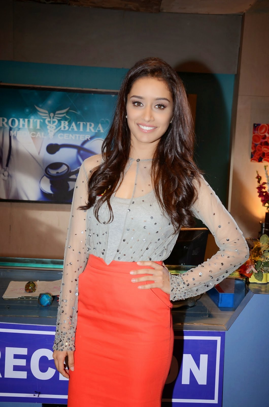 Hot Shraddha Kapoor Promote Ek villain Movie Photos