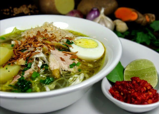 Bahan dan Resep Soto Ayam Kuah Kaldu Gurih Spesial Lengkap dengan Sambal Pedasnya