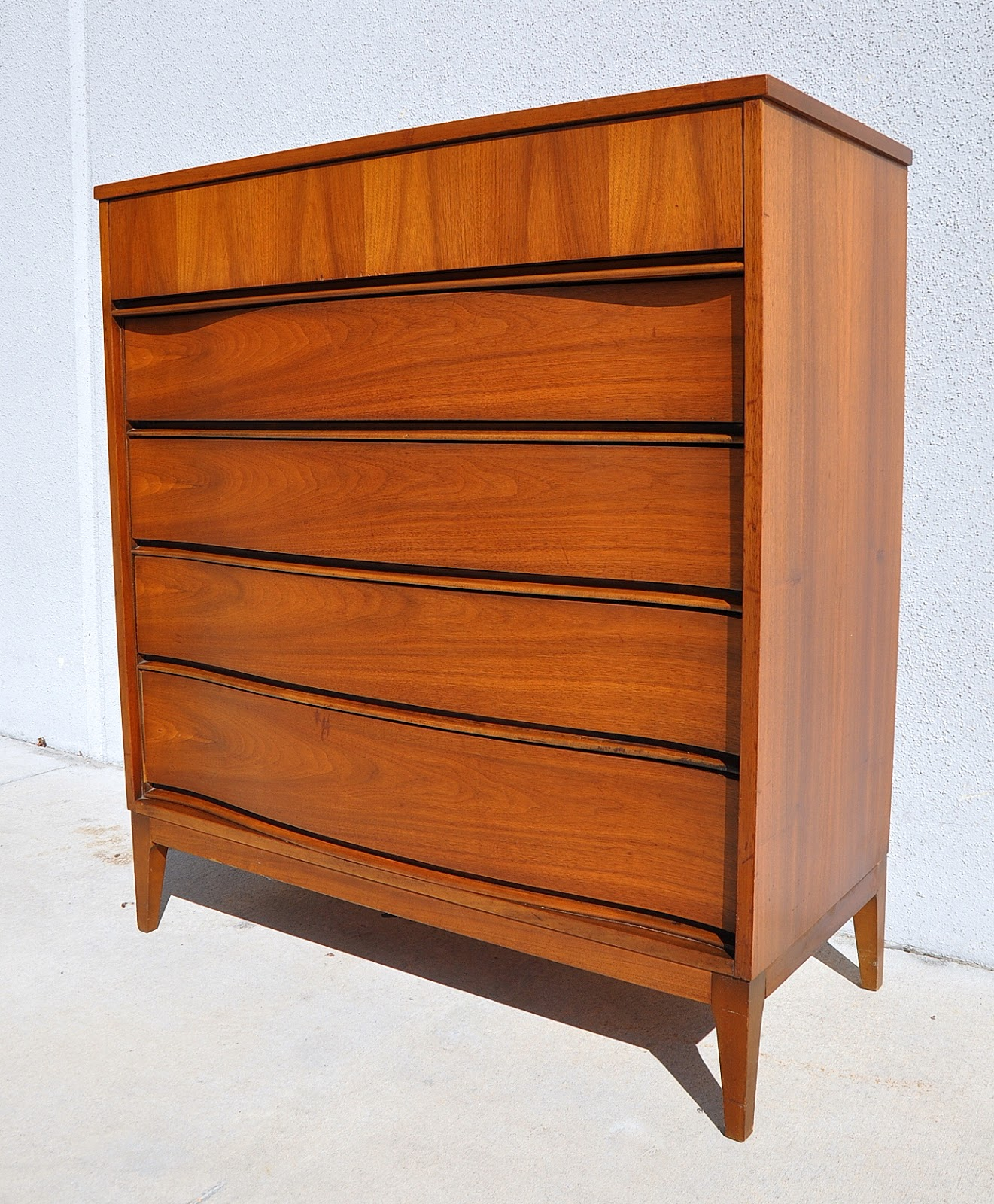 Mid Century Modern Highboy Dresser / Chest Of Drawers