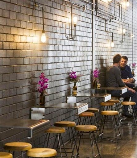 model meja dan kursi khusus untuk cafe atau restoran dengan desain minimalis