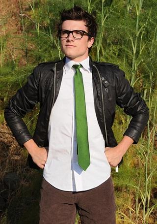 Josh Hutcherson Shirtless