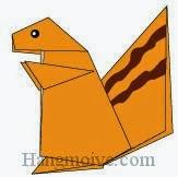 Bước 14: Vẽ mắt, viền để hoàn thành cách xếp con sóc bằng giấy theo phong cách origami.
