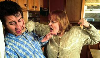 """νόμος 3500/24.10.2006, με τον τίτλο """"ενδοοικογενειακή βία"""", με σκοπό να τιμωρήσει με εξωφρενικά βαριές ποινές κάθε παράπτωμα που θα διαπράττει ο σύζυγος σε βάρος της συζύγου (σύμφωνα με τον κανόνα) ή η σύζυγος κατά του συζύγου (σύμφωνα με την εξαίρεση)."""