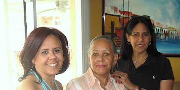 Mis hermanas Nina y Clara, quien es graduada de Chef!