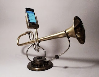 Loa iphone từ kèn đồng cũ