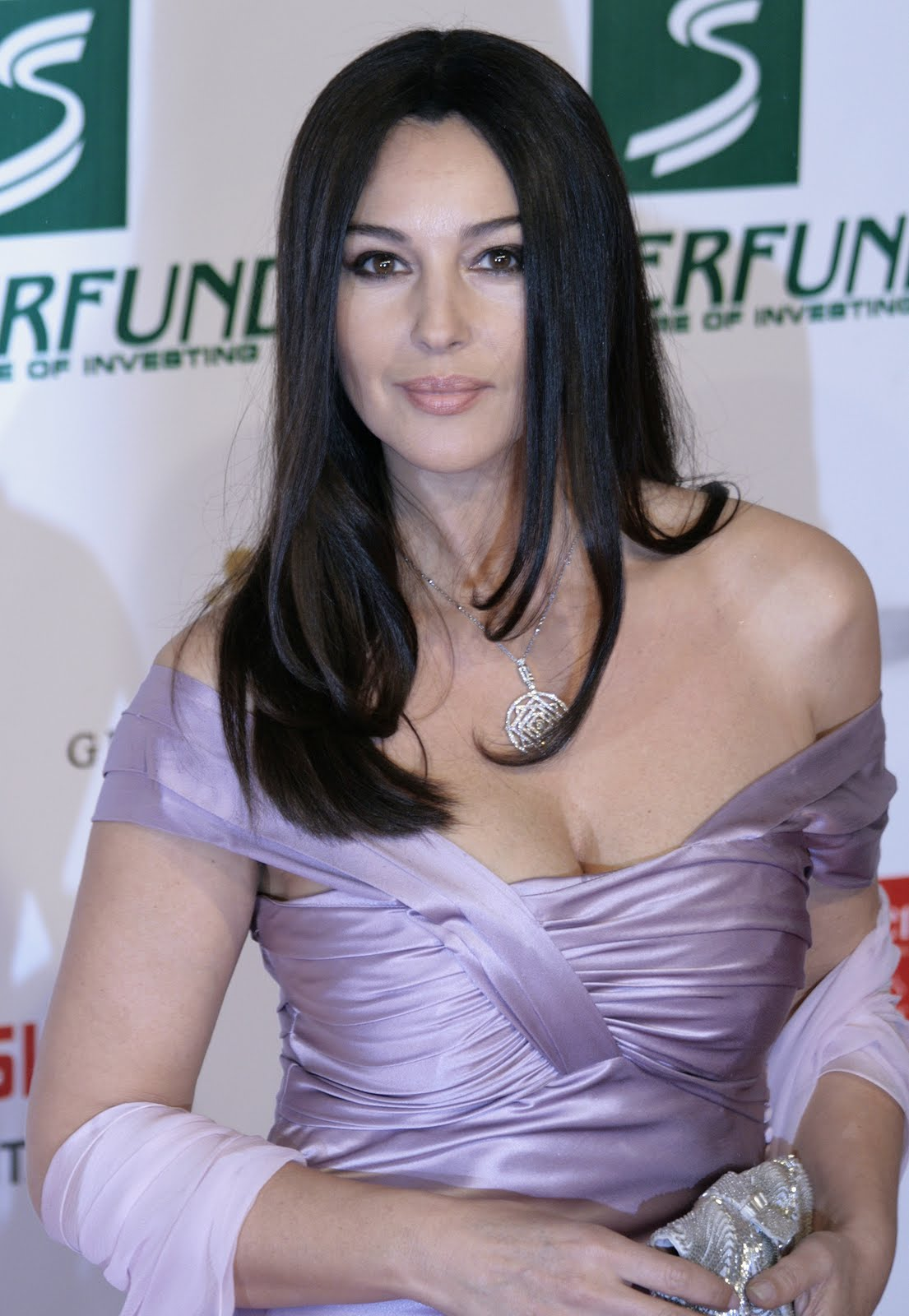 http://3.bp.blogspot.com/-qSU5TE2kZyM/ThtyEjZFuII/AAAAAAAAEOc/M1hwTd1JouQ/s1600/Monica_Bellucci%252C_Women%2527s_World_Awards_2009_a.jpg
