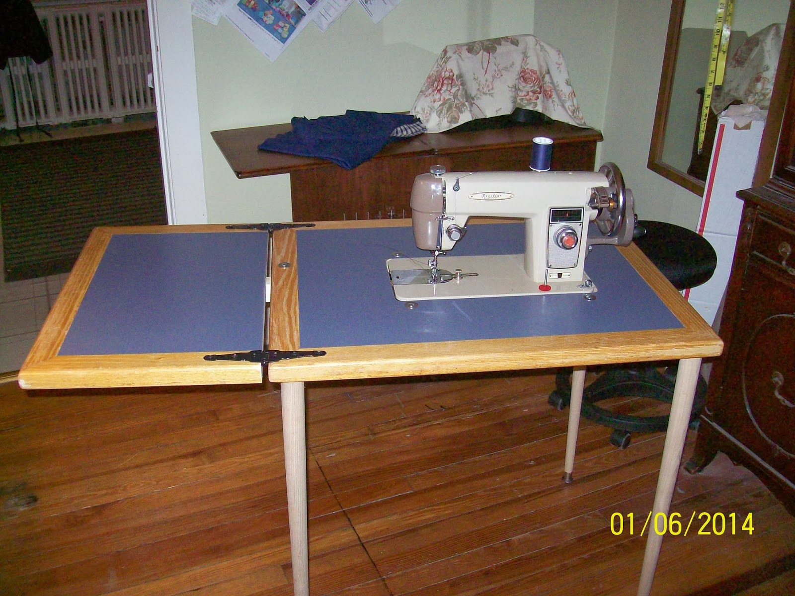 Seam Ripper Joe...and His Sewing Machine: D.I.Y. Flatbed Sewing Machine  Table