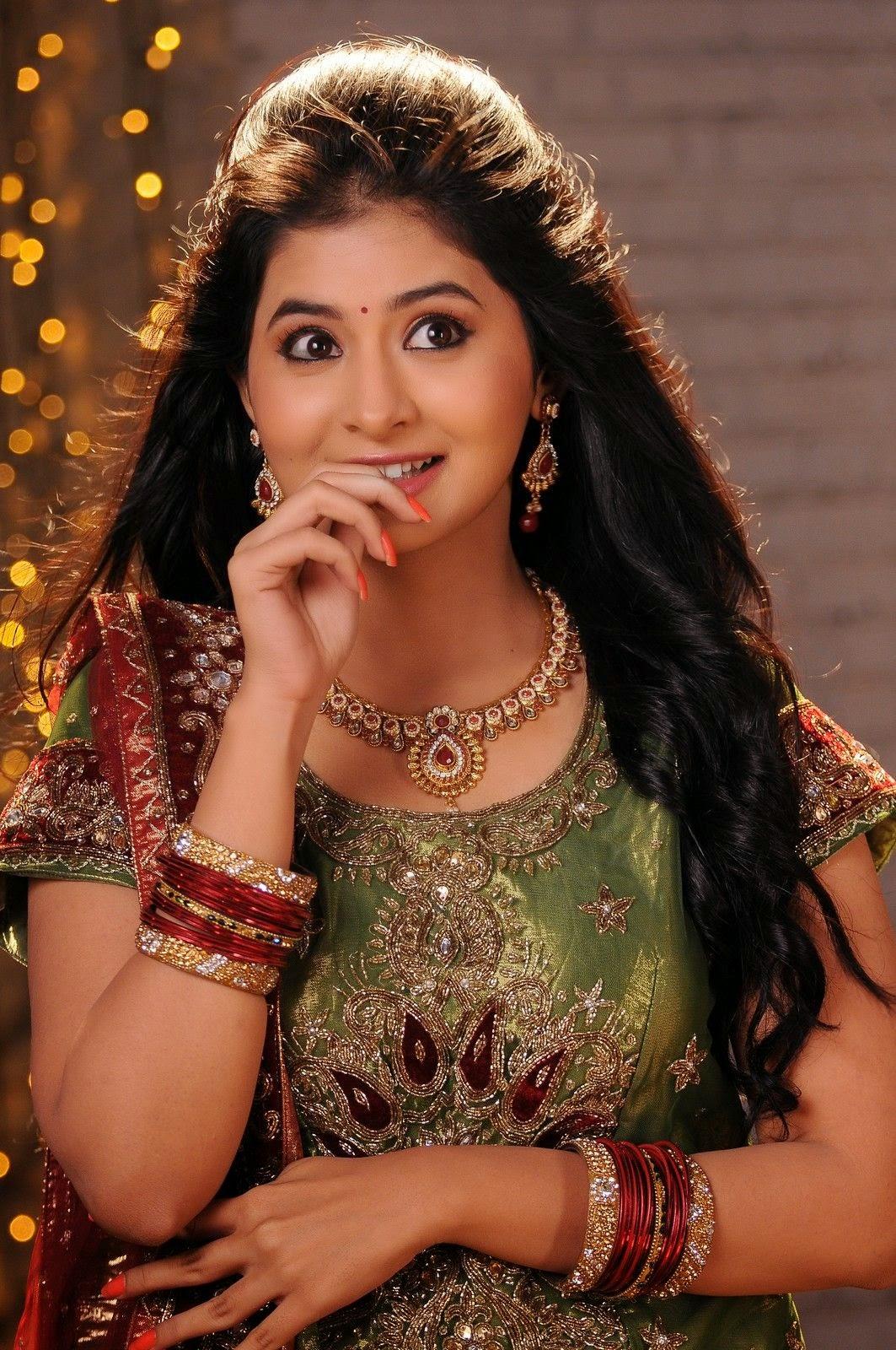 Reshmi Menon Glamorous Photos - HD Latest Tamil Actress, Telugu ...