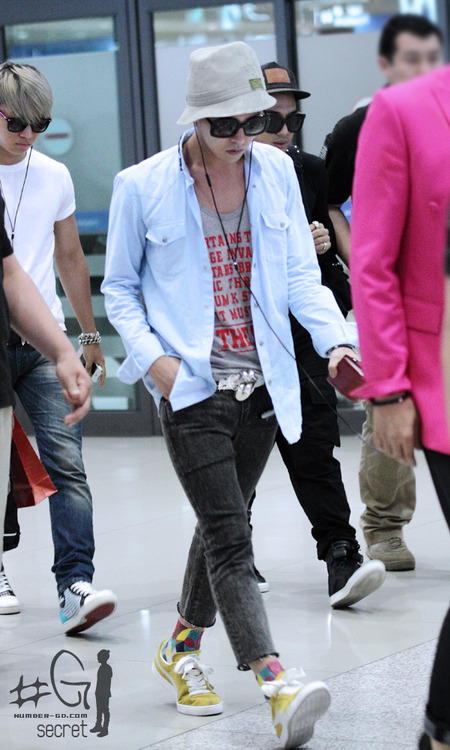 g-dragon airport fashion 2012