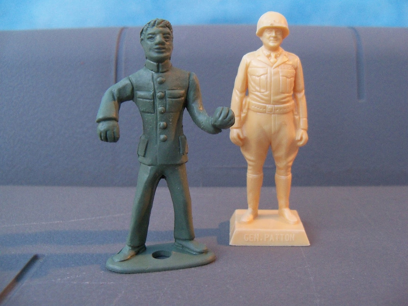 Golden slots toy soldiers