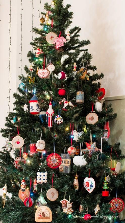 http://3.bp.blogspot.com/-qSlqnF0V67U/Ul1tfe9ImLI/AAAAAAAATKM/ox0lcA90kOQ/s880/christmas+tree4.jpg