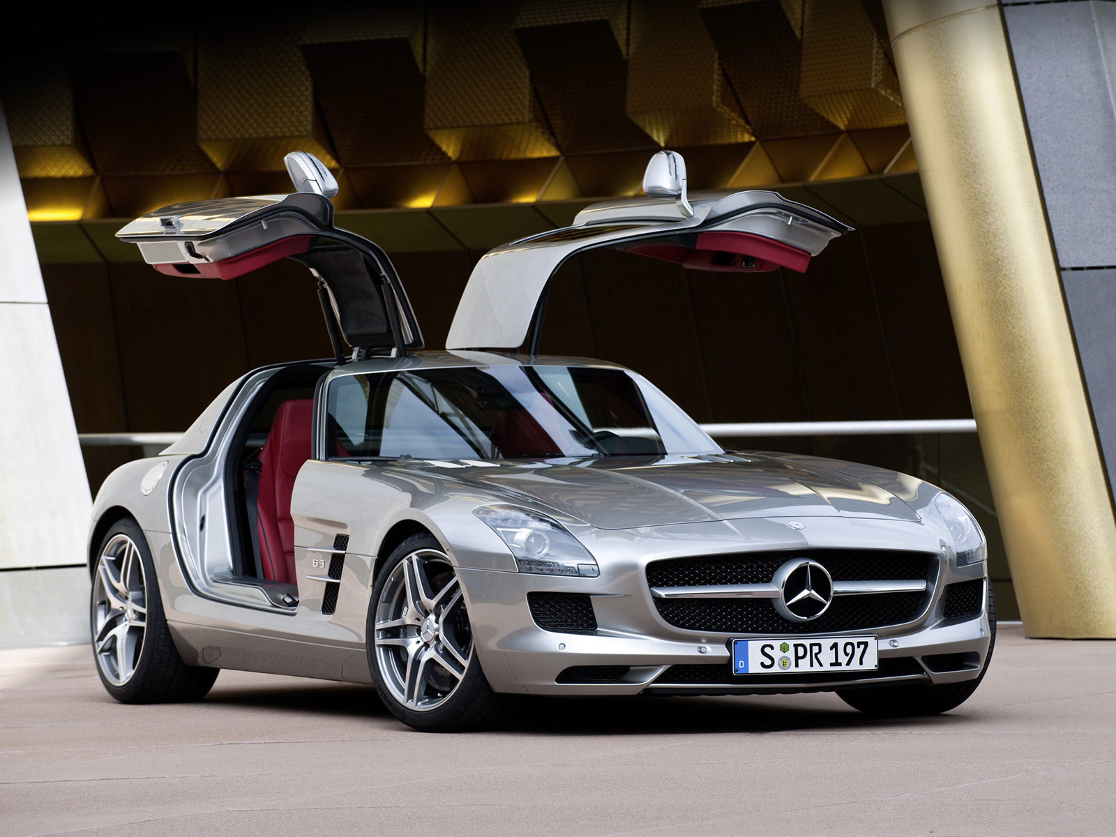 Design: Purist, Distinctive And Passionate. The Distinctive Styling Of The  New Mercedes Benz SLS AMG ...