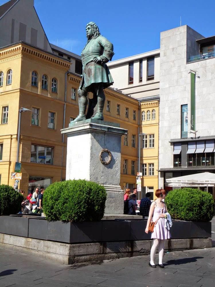 Statue to the composer Handel in the Marktplatz, Halle