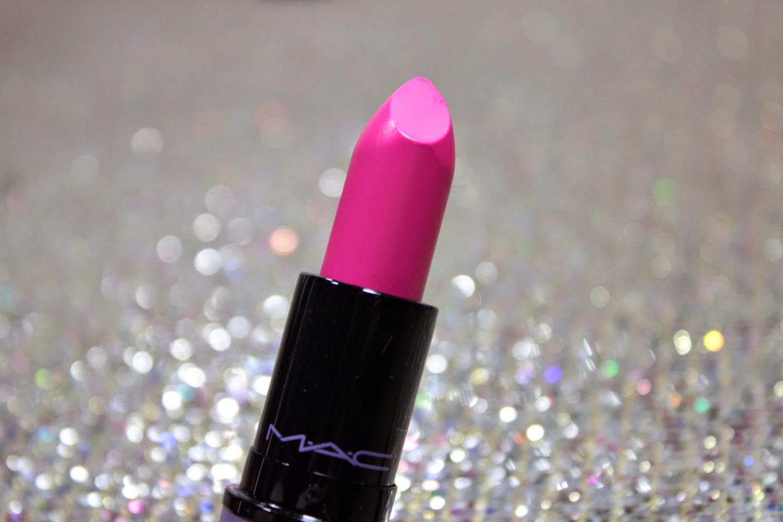kelly osbourn, coleção, edição limitada, mac, batom, batom da mac, lançamento, ebay, comprey no ebay, swatche, candy yum-yum, comparação, pink, batom pink