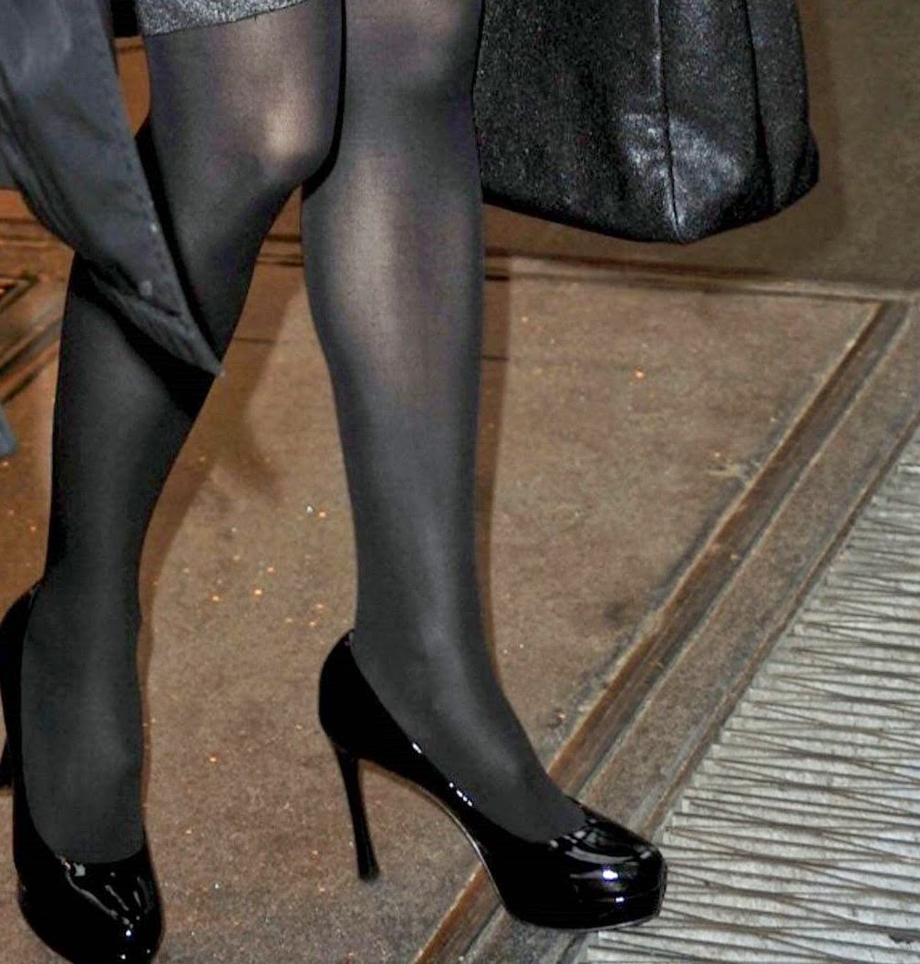 Celebrity Legs and Feet in Tights: Jennifer Garner`s Legs and Feet in ...