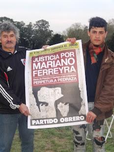 ELISÉN PEREYRA, PAPELERO Y PTE. DE COOP. PAPELERA PACHI LARA, JUNTO A SU HIJO CHARLY POR MARIANO