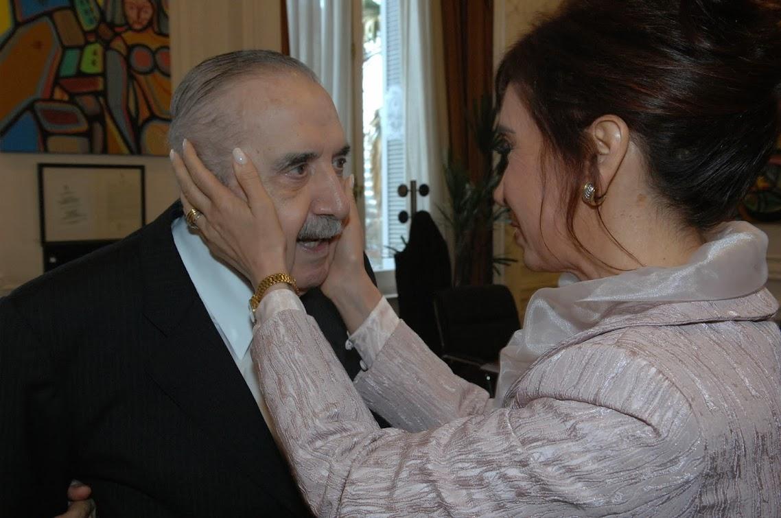 http://3.bp.blogspot.com/-qTy-0Wc12jg/UqYcbo96sTI/AAAAAAABGSQ/rnGbFgcVG6Y/s1138/Alfons%C3%ADn+-+Cristina+01.jpg