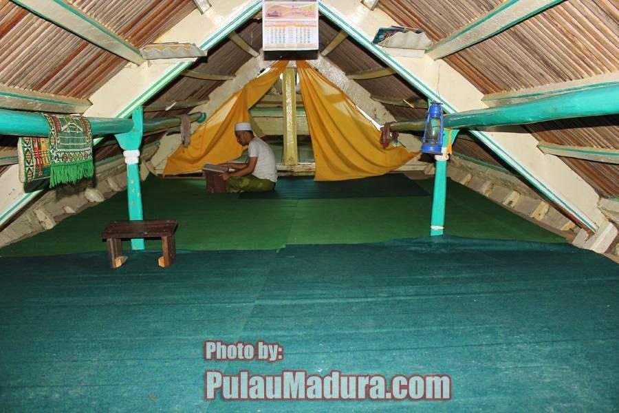 Bagian Dalam Perahu Sarimuna Syechona Moh Kholil Bangkalan