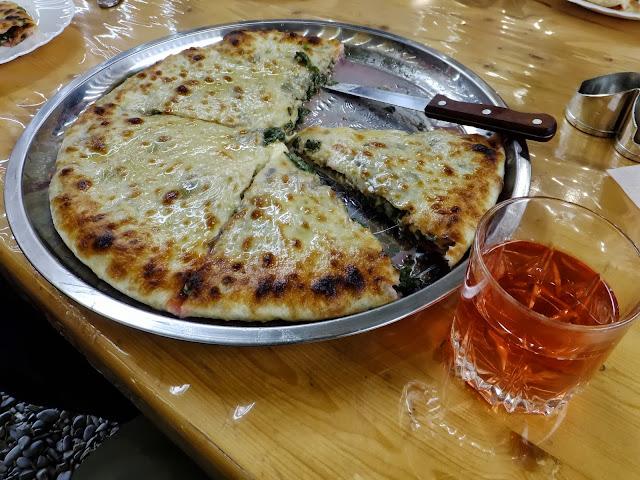 пирог по осетински со свекольной ботвой и сыром