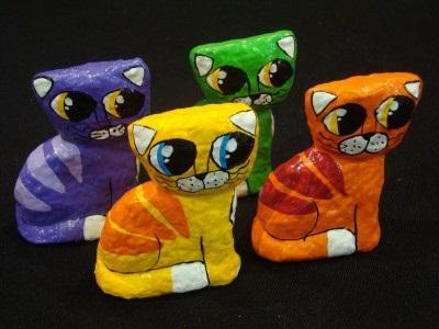 gatinhos de papel machê artista plastico bruno daltro