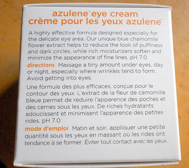 La máscara para el blanqueamiento de las manchas de pigmento sobre la persona