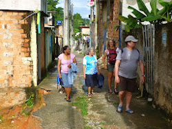 Padre Marc en Lore in de favelas
