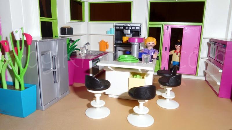 Accessoires playmobil maison moderne for Salle a manger playmobil