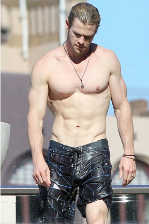 Chris Hemsworth workou... Christian Bale Fat