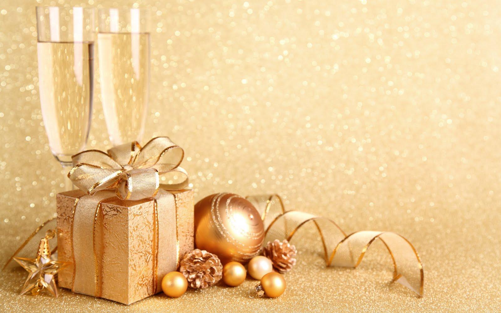 Imagem De Fundo   Prendinha E Bolas De Natal Em Tons Dourados