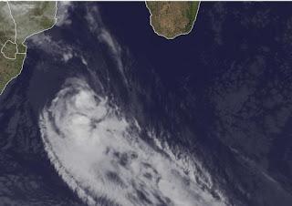 IRINA lässt Mosambik, Südafrika und Madagaskar halbwegs in Frieden, März, Irina, Afrika, aktuell, Satellitenbild Satellitenbilder, 2012, Vorhersage Forecast Prognose, Zugbahn, Verlauf, Indischer Ozean Indik, Zyklonsaison Südwest-Indik,
