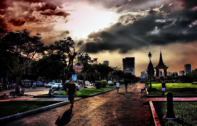 Insolite : Phnom Penh rouge