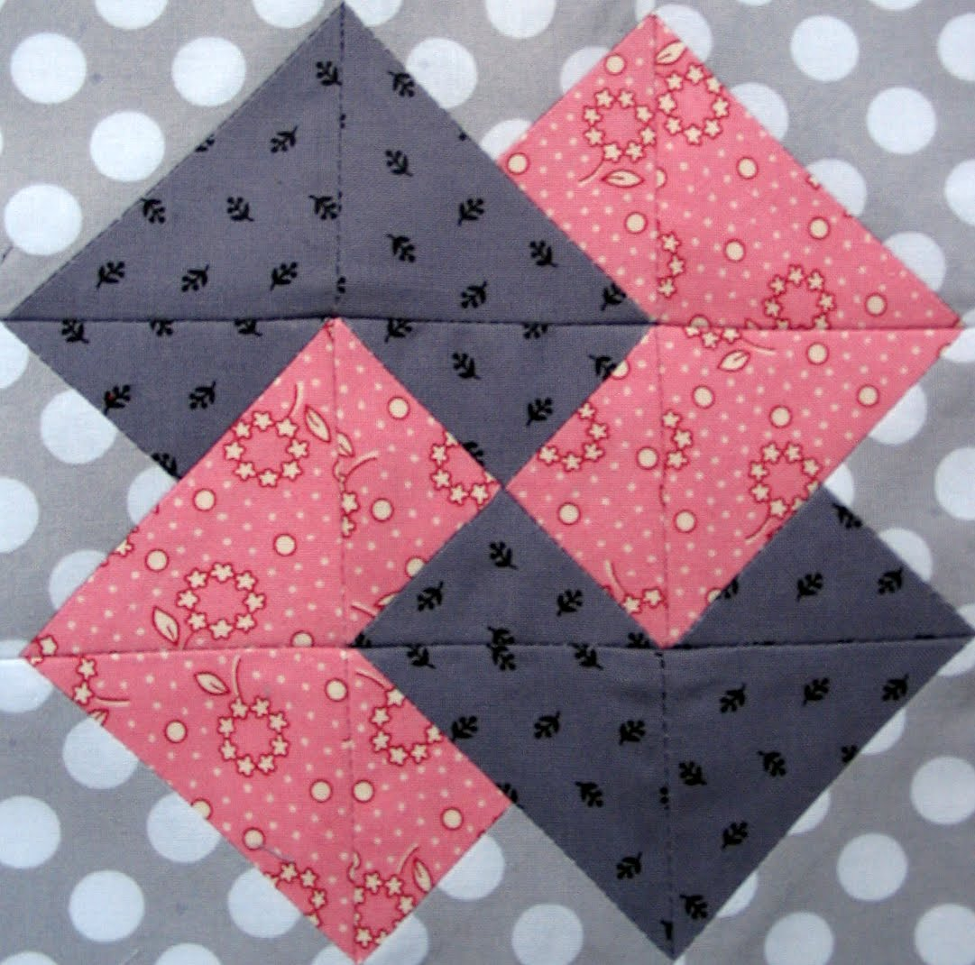 Free Quilt Patterns And Blocks : Starwood Quilter: Card Trick Quilt Block