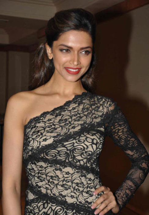 deepika padukone launch bollywood jollygood t-shirt line hot photoshoot