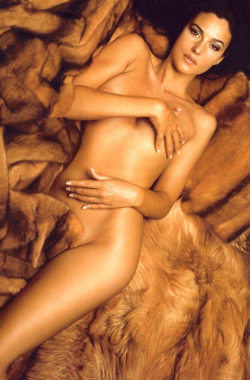 monika-beluchchi-eroticheskie