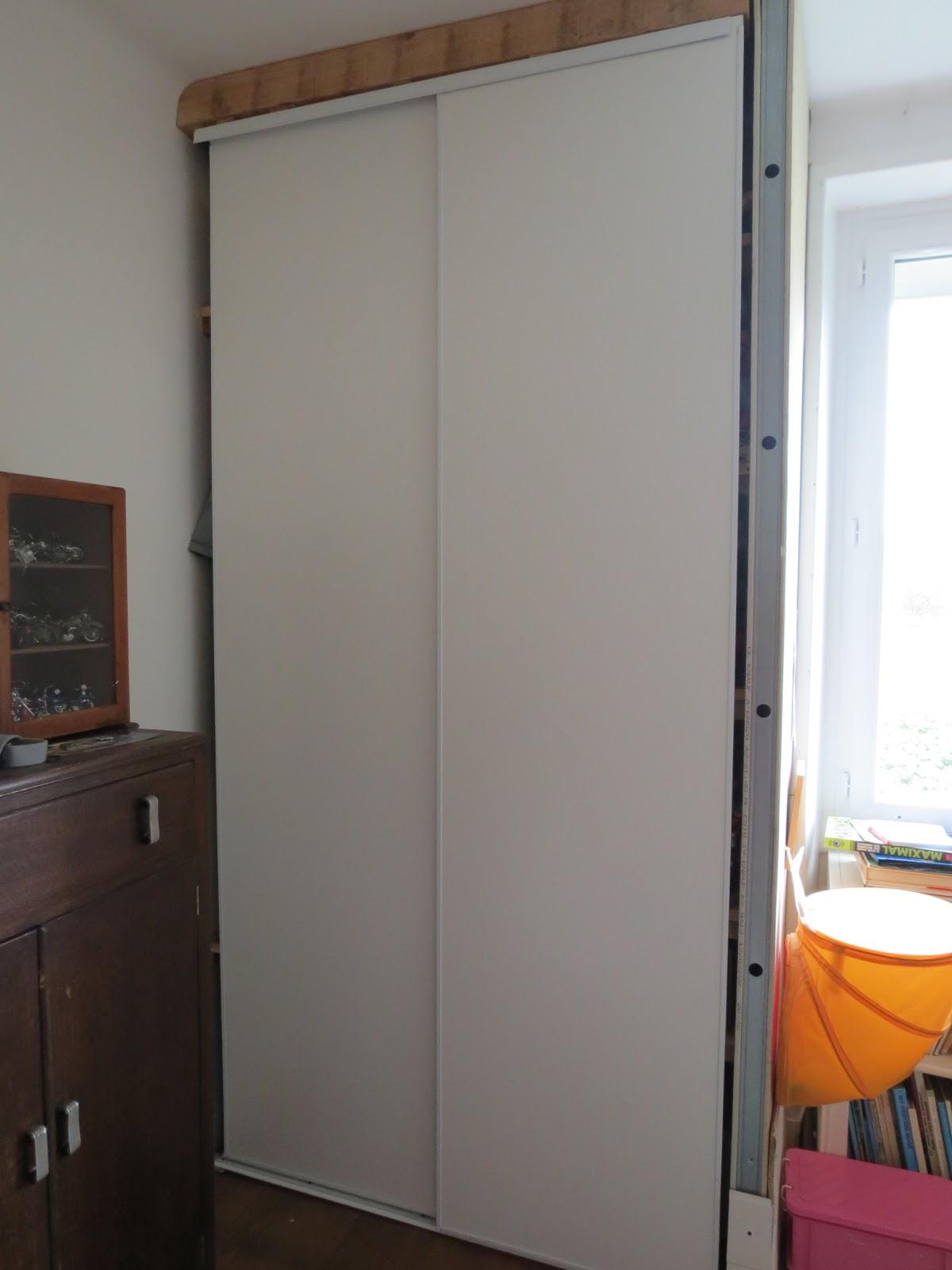 Teano mon tout beau la chambre de mon bonhomme - Rideaux pour placard de chambre ...