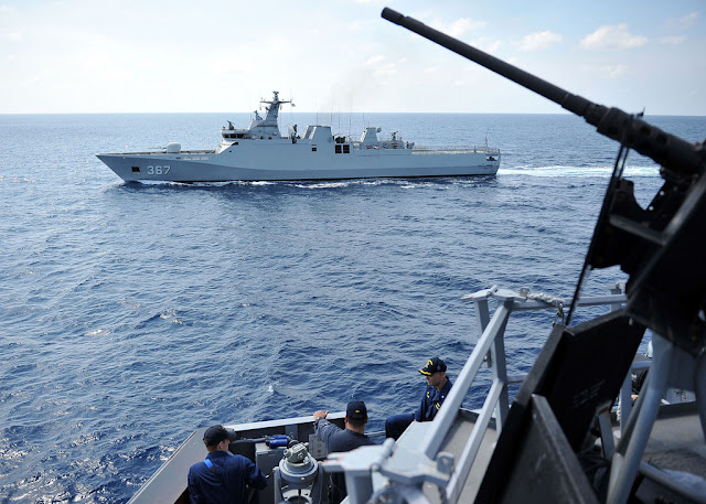 Ibu Menteri Susi, Tolong Kirim Kapal Pengawas yang Besar