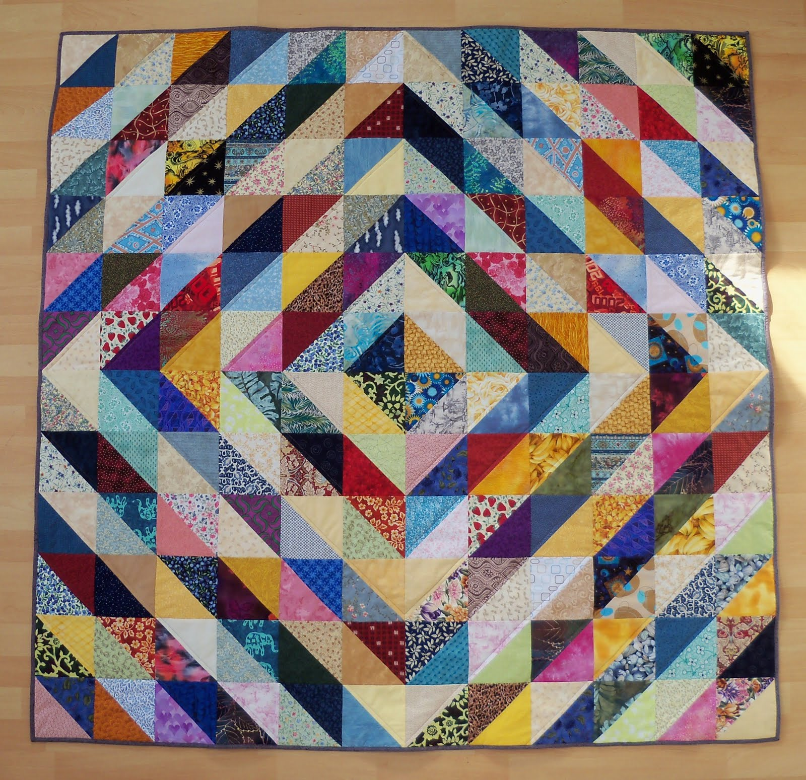 Quilt Designs With Triangles : Sew Lovely: Value Quilt - Half Square Triangles